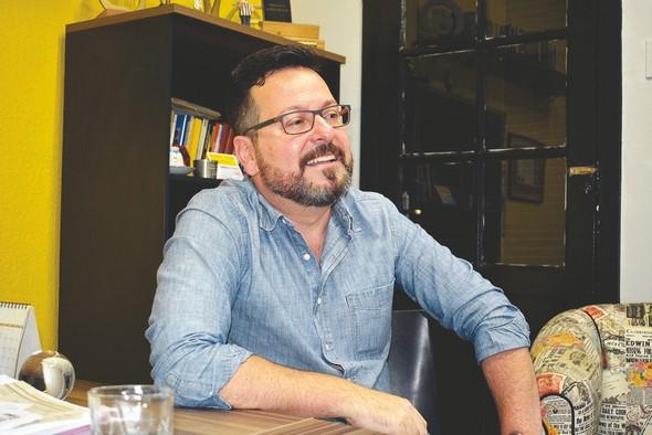 O jornalista Fernando Hirschy em A VOZ DA SERRA (Arquivo AVS)