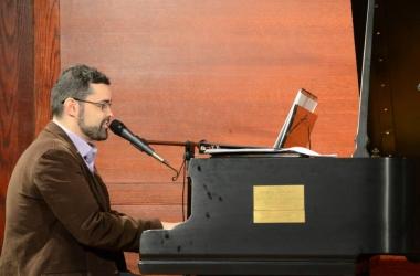 Friburguense que mora em Nova York promove masterclass de canto coral