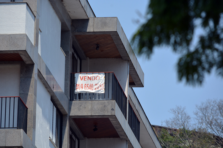 Um dos apartamentos à venda no Centro da cidade (Foto: Henrique Pinheiro)