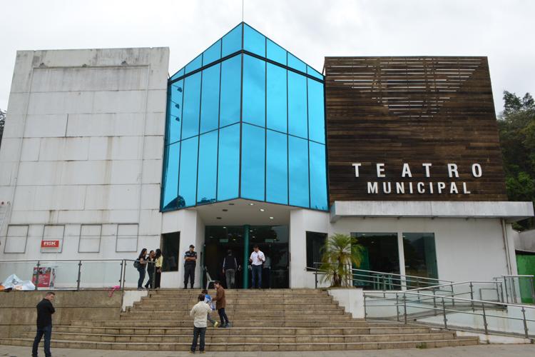 A conferência acontece no Teatro Municipal, no Suspiro (Foto: Henrique Pinheiro)