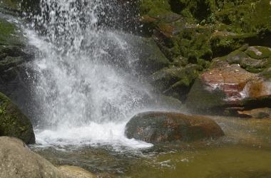Verão: subcomandante do 6º GBM alerta para acidentes e afogamentos em cachoeiras