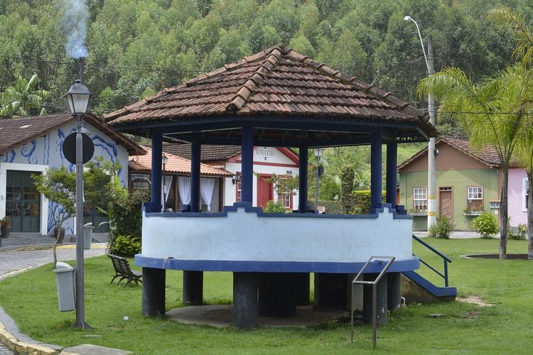 O coreto da pracinha (Fotos: Henrique Pinheiro)