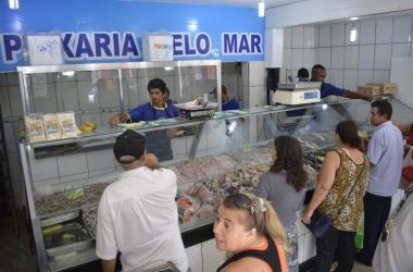Apesar da procura ter aumentado, comerciantes acreditam que consumidores devem deixar para ir às compras na última hora (Foto: Henrique Pinheiro)