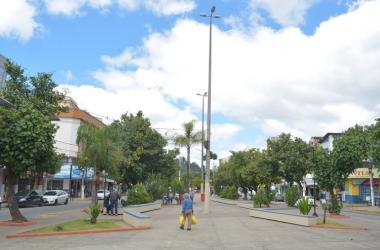 Unidade móvel da concessionária atenderá na Praça Lafayette Bravo Filho (Foto: Henrique Pinheiro)
