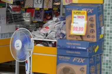 Um dos poucos aparelhos encontrados no comércio (Fotos: Henrique Pinheiro)