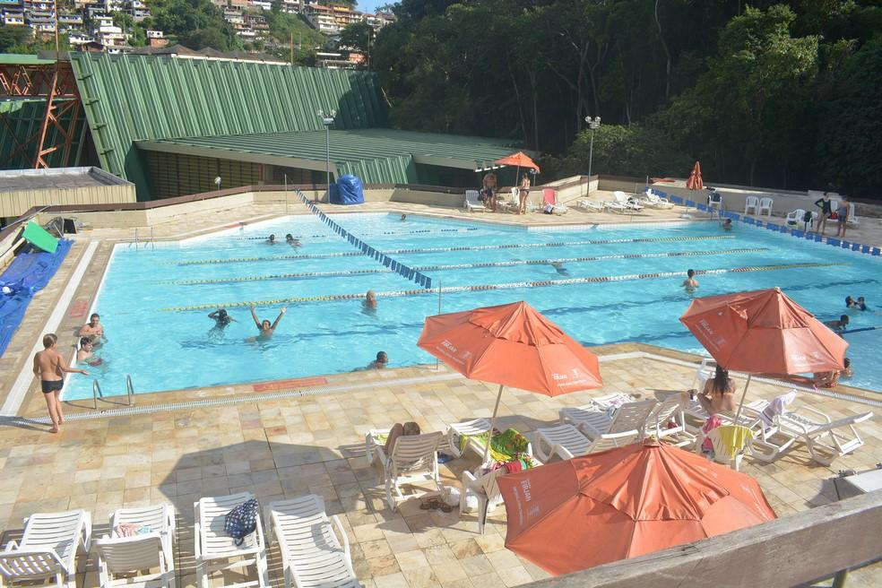 A piscina do Sesi na última quarta-feira à tarde: opção de lazer no verão (Fotos: Henrique Pinheiro)