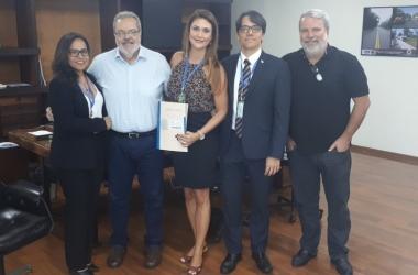 O convênio foi assinado semana passada no Rio de Janeiro reunindo autoridades do DER-RJ, Secretaria estadual de Governo e a coodenação da Operação Lei Seca (Divulgação)