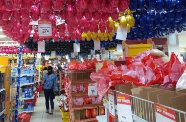 Os ovos à venda num hipermercado do Centro (Foto: Paula Valviesse)