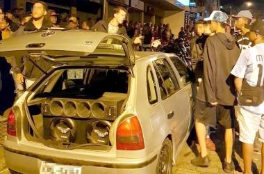 Baderna na Monte Líbano tem som alto e venda de bebidas na rua