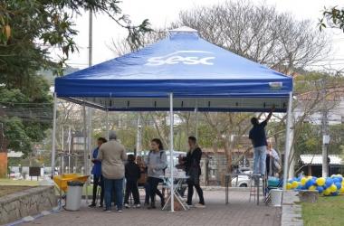 A tenda de atendimento do Sesc na Praça do Suspiro (Fotos: Henrique Pinheiro)