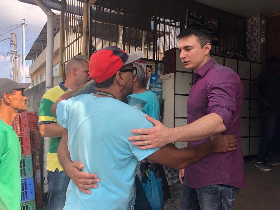 Pedro Fernandes em campanha (Divulgação)