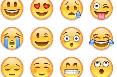 Sorria, apaixone-se, curta o Dia Mundial do Emoji