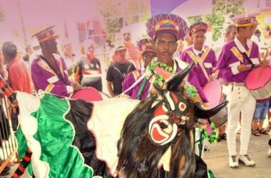 Fim de semana com Festival de Folias de Reis e outras atrações