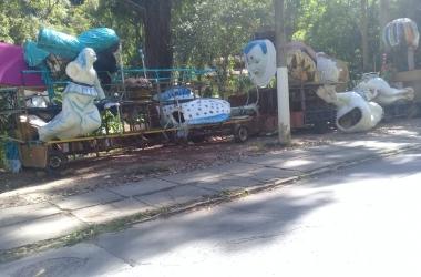 As alegorias na Rua Antônio Lopes Sertã (Fotos da leitora)
