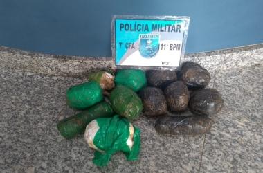 A grande carga de cocaína apreendida quarta-feira iria abastecer pontos de venda de drogas no Alto do Floresta. Prejuízo de R$ 18 mil para o tráfico (Foto: 11 BPM)