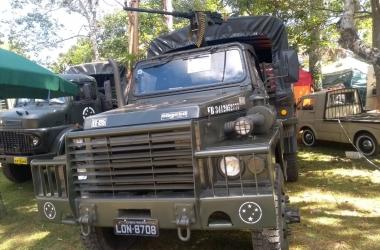 O caminhão adquirido em um leilão do Exército por Dario (Arquivo pessoal)