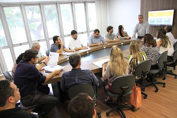 Evento contou com a presença de representantes de diversos setores da municipalidade e do Sebrae (Divulgação PMNF)