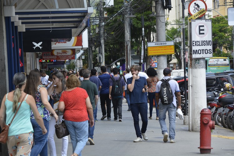 Movimento na Avenida Alberto Braune (Arquivo AVS)