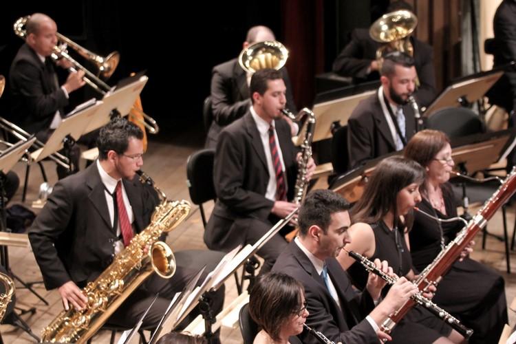 A Banda Sinfônica Jovem do estado de São Paulo, regida por Mônica Giardini (Emesp)
