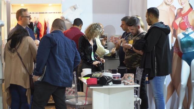 Participantes são apresentados às tendências de materiais da próxima estação (Divulgação)