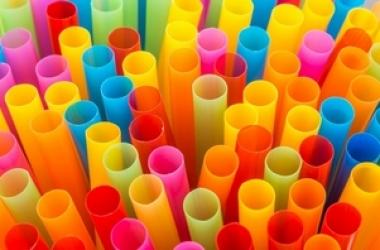 Comércio de Friburgo tem até maio de 2020 para substituir canudos de plástico