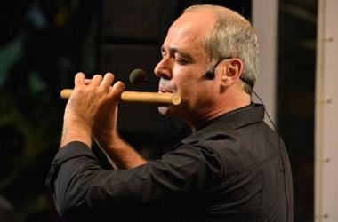 O multi-instrumentista Carlos Malta (Reprodução da web)