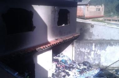 A casa incendiada (Foto de leitor)