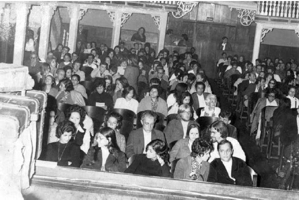 Público no antigo Cinema Leal, um dos 19 que Friburgo já teve