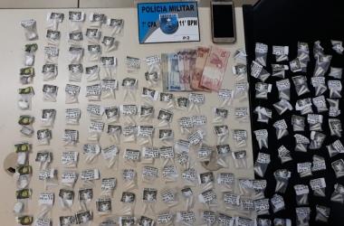 A droga apreendida no Terra Nova (Foto: 11 BPM)