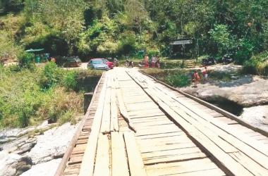 A ponte de dormentes do Encontro dos Rios (Arquivo AVS)