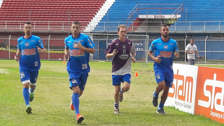 Jogadres do Frizão treinam para estreia na Série B