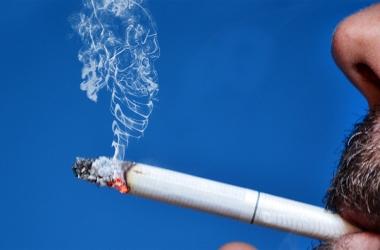 Fumar, hábito que vicia e mata (Fotos: Henrique Pinheiro)