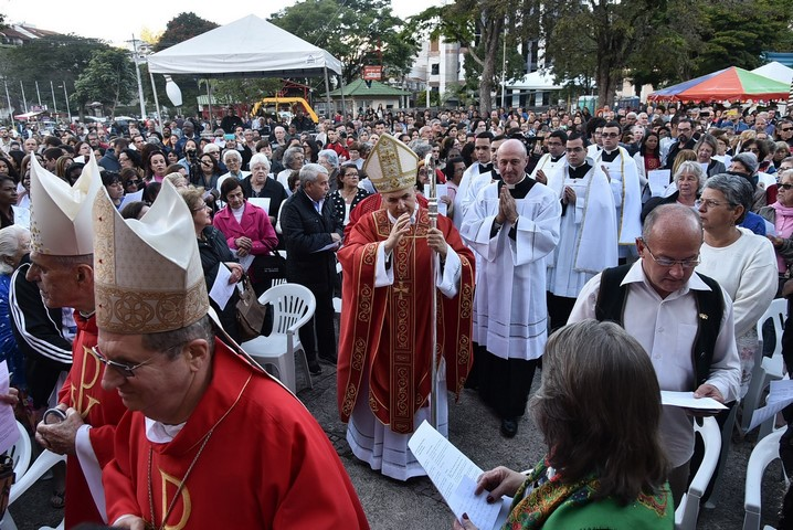 A missa campal no Suspiro (Fotos: PMNF/ Daniel Marcus)