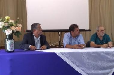O prefeito de Cordeiro (ao centro) foi eleito por unanimidade para gerir o CIS-Serra por um ano