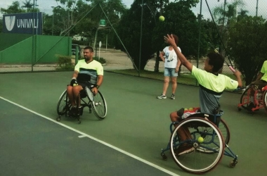 Cadeirantes terão treinamento de badminton em Friburgo