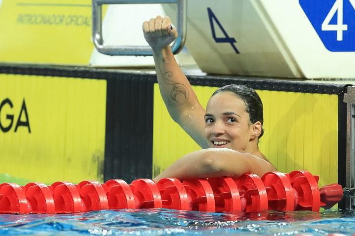 Jhennifer vibra com a confirmação de mais uma conquista em piscinas brasileiras