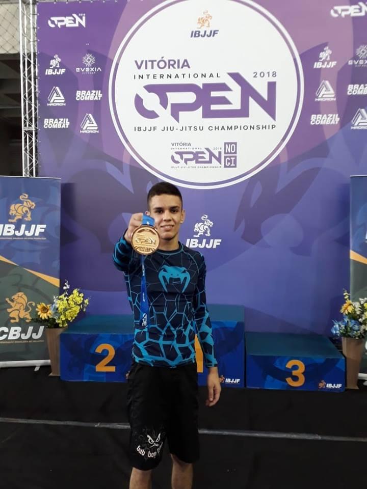 Sem kimono, Kayque Xavier é campeão do Vitória Internacional Open IBJJF