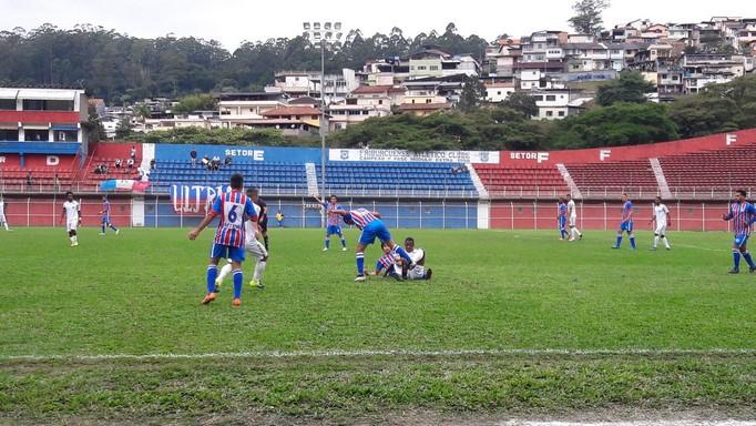Show nível Copa: Frizão goleia Carapebus por 6 x 2