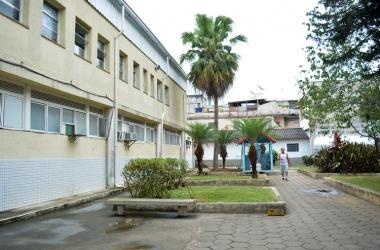 Secretária de Saúde faz vistoria técnica no Hospital Raul Sertã