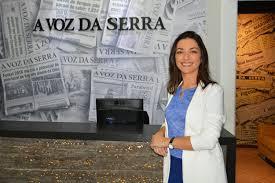 Ilona em visita ao jornal A VOZ DA SERRA (Arquivo AVS)