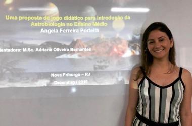 """Angela Ferreira Portella fez a pesquisa pesquisa """"Introduzindo a astrobiologia através de jogo didático"""""""