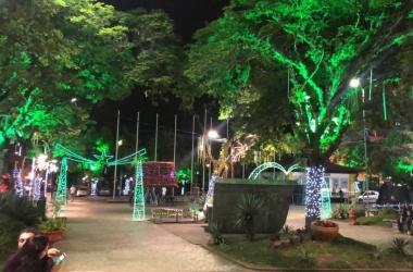 A Praça Dermeval decorada (Arquivo AVS)