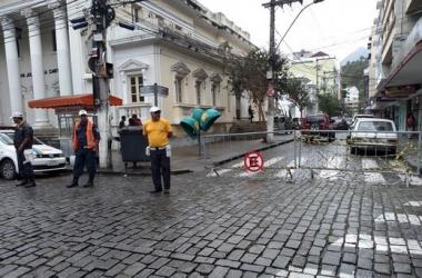 A Rua Ernesto Brasílio interditada na manhã deste sábado (Foto: Guilherme Alt)