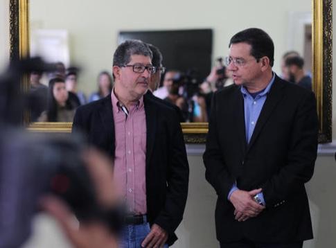 Marcelo Braune e Renato Bravo na cerimônia de transmissão do cargo (Divulgação PMNF)