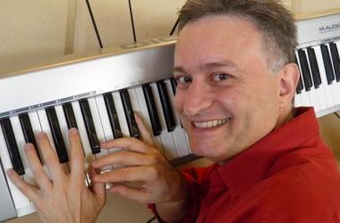 Marvio Ciribelli é a atração de show gratuito na sexta (Reprodução da web)