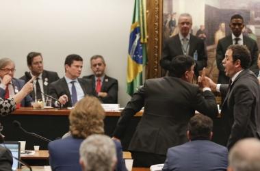 Glauber exaltado diante de Moro durante audiência na Câmara em 2 de julho (Arquivo Estadão)