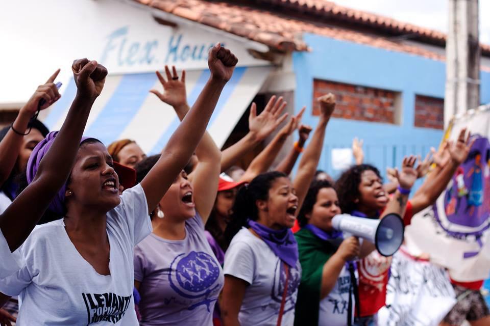 Movimentos femininos crescem e ocupam espaços na política do Brasil