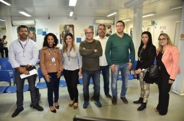Na assinatura do contrato, representantes da prefeitura, da Viva Rio e da Unir (Foto: divulgação PMNF)