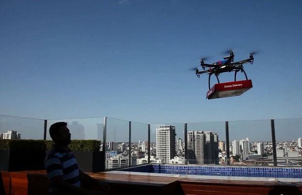 Drone entrega pizza em São Paulo (Foto: G1)