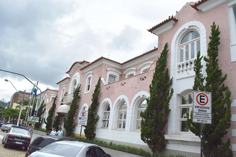 Friburguenses devem mais de meio bilhão de reais em impostos à prefeitura